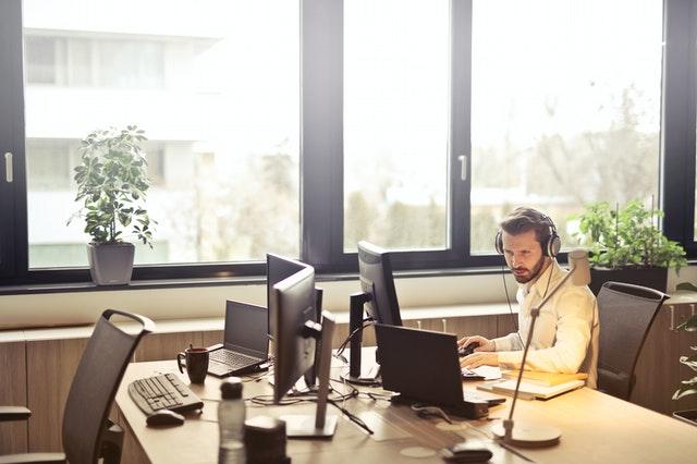 דרכים לשיפור מוקד מכירות עם מרכזית IP